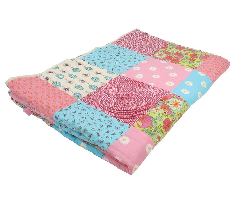 Sengeteppe patchwork Rosa Sprell veldig fine leker og barneromsinterior