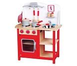 Rødt lekekjøkken i tre med mye tilbehør