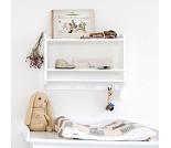 Hvit bokhylle med knagger fra Oliver Furniture