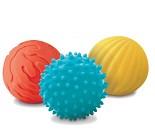 3 baller med 3 ulike teksturer