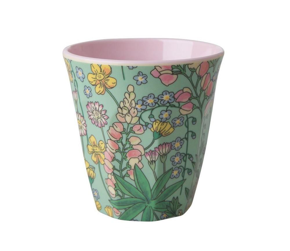 Grønn kopp i melamin med blomster d847ce1a7fcc5