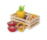 Kasse med eksotisk frukt, lekemat i tre