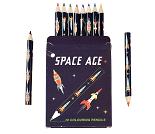 Rakett, sett med fargeblyanter