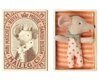 Babymus jente i eske, 8 cm - Maileg
