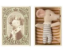 Babymus gutt i eske, 8 cm - Maileg