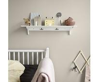 Hvit hylle med 3 kroker fra Oliver Furniture